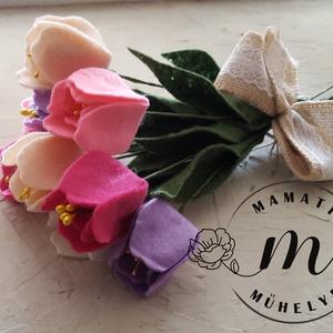 Tulipán csokor, anyák napjára, ünnepre, tavaszi dekorációnak, örök csokor, Menyasszonyi- és dobócsokor, Esküvő, Virágkötés, Mindenmás, Filcből készítettem ezeket a tulipánokat, egyedi tervezés alapján.\nA csokor 9 db tulipánt tartalmaz,..., Meska