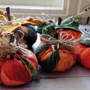 Vidám őszi dísztök dekorációs csomag 5 db, hallowen tök, őszi dekoráció, Otthon & Lakás, Dekoráció, Asztaldísz, Virágkötés, Varrás, Meska