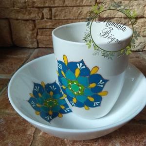 Egyszerű türkiz mandala reggeliző szett, Bögre & Csésze, Konyhafelszerelés, Otthon & Lakás, Festett tárgyak, Kézzel festett mandalás reggeliző készlet. Műzlis tálkát és egy 3 dl bögrét tartalmaz.\nTürkiz: egyen..., Meska
