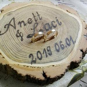 Gyűrűtartó, Esküvő, Gyűrűpárna, Famegmunkálás, Gravírozás, pirográfia, Egyedi gyűrűtartót rendelhetsz ha valami igazán egyedi és természetesre vágysz az esküvőd napján is ..., Meska