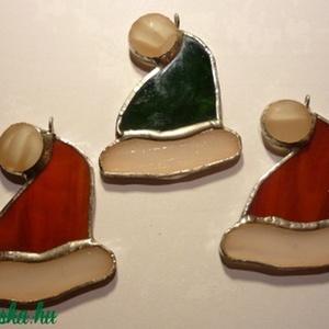 Mikulás sapka, Dekoráció, Otthon & lakás, Karácsony, Ünnepi dekoráció, Sapka, Sál, sapka, kesztyű, Ruha, divat, Táska, Divat & Szépség, Üvegművészet, Rézfóliás (tiffany) technikával készített karácsonyi dísz, vagy ajándékkísérő. Más színben is rendel..., Meska