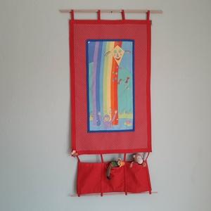 Textil falikép, Kép & Falikép, Dekoráció, Otthon & Lakás, Varrás, 44 x 87 cm ( teljes hossz) faliképet készítettem gyerekszobába. A gyerekeknek nagyon\ntetszenek a szí..., Meska