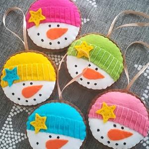 Filc karácsonyi dekoráció, hóemberek, Otthon & Lakás, Karácsony & Mikulás, Karácsonyfadísz, Varrás, Filc karácsonyi dekoráció, hóemberek.\nAz ár 5 db-ra vonatkozik., Meska