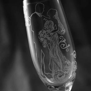 esküvői pezsgős pohark, Tálalás, Dekoráció, Esküvő, Üvegművészet, Egyedi, kézzel gravírozott esküvői pezsgős poharak!\nHogy eltérjünk a megszokottól!Az ár egy párra ér..., Meska