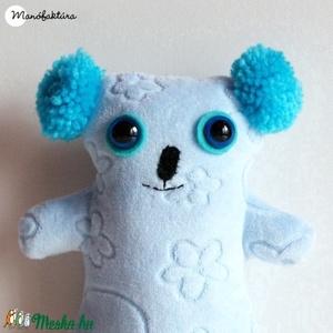 Peti, a plüss koalamackó, Gyerek & játék, Játék, Baba, babaház, Baba játék, Plüssállat, rongyjáték, Varrás, Baba-és bábkészítés, Peti egy barátságos, világoskék, pihepuha koalamackó, aki szívesen lenne egy kisgyermek hűséges társ..., Meska