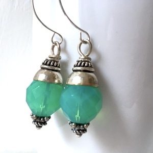 Togo - romantikus türkiz üveggyöngyös fülbevaló  (Manofaktura) - Meska.hu
