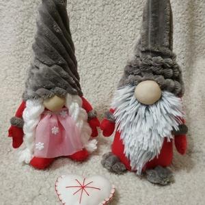 Manó hölgy ès Manó úr, Karácsony & Mikulás, Karácsonyi dekoráció, Varrás, Pihe puha 40 cm magas szeretni való kedves lènyek, kèzzel varrott, gondos kezek által kèszül huncut ..., Meska