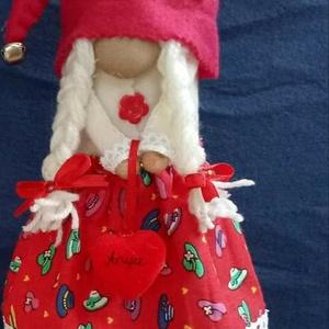 Manó hölgy, Játék & Gyerek, Plüssállat & Játékfigura, Manó, Varrás, 45 cm álló manó, gondos kezek által varrott piros ruhás manó hölgy. Szemèlyes átvètel Győr, szállítá..., Meska