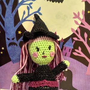 Csilli a boszorkány, Gyerek & játék, Játék, Baba, babaház, Játékfigura, Horgolás, Horgolt amigurumi figura. Készítettem egy boszit az oviban is, ahol dolgozok a gyerekek pedig imádjá..., Meska