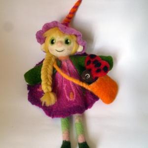 Nemez baba szett, Gyerek & játék, Gyerekszoba, Játék, Baba, babaház, Játékfigura, Nemezelés, Szappanhabos kézzel és nagy adag szeretettel készült pihe puha nemez baba.  Rózsaszín a ruhája, szők..., Meska