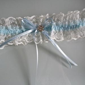 Krém, kék harisnyakötő, Esküvő, Varrás, Krém-kék, harisnyakötő különleges csipkével.\n\n\nAnyaga: csipke, elasztikus gumin\n\nSzín: Krém\nMére  no..., Meska