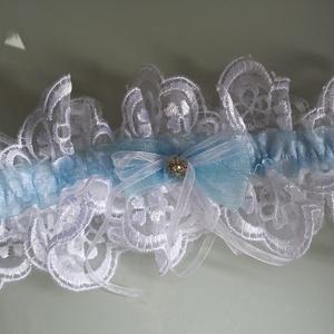 kék-  fehér harisnyakötő, Esküvő, Kiegészítők, Varrás, kék-fehér harisnyakötő különleges csipkével.\n\n\nAnyaga: csipke, elasztikus gumin\n\nSzín: kék  -fehér\nM..., Meska