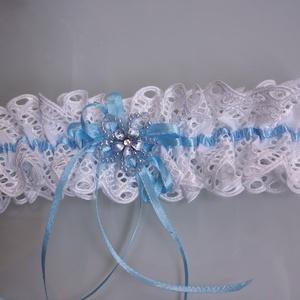 Kék- fehér harisnyakötő, Esküvő, Varrás, Kék-fehér harisnyakötő különleges csipkével.\n\n\nAnyaga: csipke, elasztikus gumin\n\nSzín: kék  -fehér\nM..., Meska