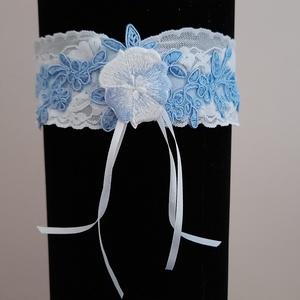 Kék- fehér harisnyakötő, Esküvő, Kiegészítők, Harisnyatartó & Valami kék, Varrás, Kék-fehér harisnyakötő különleges csipkével.\n\n\nAnyaga: csipke, elasztikus gumin\n\nSzín: kék  -fehér\nM..., Meska