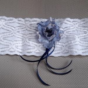 Kék- fehér harisnyakötő, Esküvő, Kiegészítők, Harisnyatartó & Valami kék, Varrás, Kék-fehér harisnyakötő különleges elasztikus  csipkével.\n\n\nAnyaga:  elasztikus csipke ,kék szalaggal..., Meska