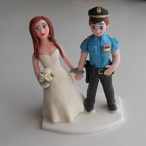 Rendőr nászpár, Helyszíni dekor, Dekoráció, Esküvő, Mindenmás, Ha úgy érzed, hogy feldobnád az Esküvőd valami nem hétköznapival, akkor a legjobb helyen jársz! :)\nE..., Meska