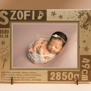 Babaszületésre, babalátogatóba, egyedi ajándék, névreszóló, gravírozott képkeret rendelhető, Képkeret, Dekoráció, Otthon & Lakás, Gravírozás, pirográfia, Amennyiben különleges, névreszóló ajándékot szeretnél,\negy ilyen vagy ehhez hasonló képkeretet készí..., Meska