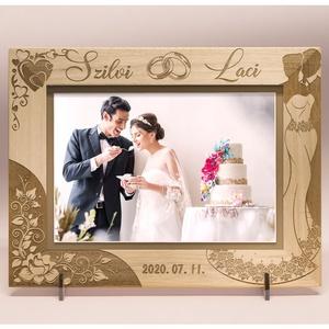 Esküvőre, eljegyzésre, házassági évfordulóra egyedi képkeret rendelhető, tetszőleges névvel, felirattal, grafikával, Esküvő, Emlék & Ajándék, Nászajándék, Gravírozás, pirográfia, \n\nAmennyiben különleges, névreszóló ajándékot szeretnél,\negy ehhez hasonló képkeretet készítünk neke..., Meska