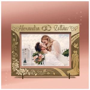 Szerelmeseknek, esküvőre, eljegyzésre, ünnepi alkalomra,egyedi gravírozott képkeret rendelhető, Otthon & Lakás, Dekoráció, Képkeret, Gravírozás, pirográfia, Amennyiben különleges, névreszóló ajándékot szeretnél,\negy ilyen vagy ehhez hasonló képkeretet készí..., Meska