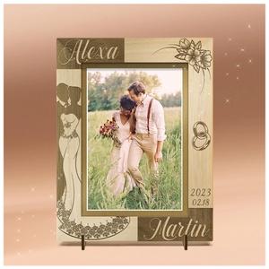 Esküvői ajándék, eljegyzésre, ünnepi alkalomra, egyedi, gravírozott képkeret rendelhető, Otthon & Lakás, Dekoráció, Képkeret, Gravírozás, pirográfia, Amennyiben különleges, névreszóló ajándékot szeretnél,\negy ilyen vagy ehhez hasonló képkeretet készí..., Meska