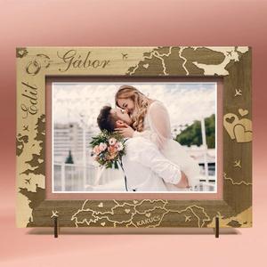 Esküvőre, eljegyzésre, házassági évfordulóra, egyedi képkeret rendelhető, tetszőleges felirattal, grafikával., Esküvő, Emlék & Ajándék, Nászajándék, Gravírozás, pirográfia, Amennyiben különleges, névreszóló ajándékot szeretnél,\negy ilyen vagy ehhez hasonló képkeretet készí..., Meska