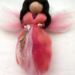 Angyalka, Karácsony, Karácsonyi dekoráció, Nemezelés, Karácsonyi angyalka tűnemezeléssel készült. 20 cm, Meska