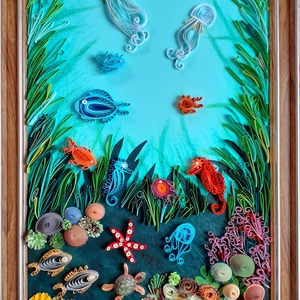 Falikép gyerekszobába: Élet a tengerben, Otthon & Lakás, Dekoráció, Kép & Falikép, Papírművészet, Kerettel ellátott falikép, mely quilling /papírcsík/ technikával készült. Mérete: 25 x 41 cm.  ..., Meska