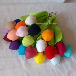 Textil tulipán (bimbós, 20 db), Csokor & Virágdísz, Dekoráció, Otthon & Lakás, Varrás, 25 cm magas textil tulipán, amely kedves ajándék lehet bármilyen alakalomra. \n\nVirága pamutvászonból..., Meska