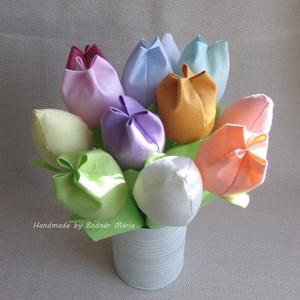 Textil tulipán csokor (vegyes csokor, 12 db, 12 szín), Otthon & Lakás, Dekoráció, Csokor & Virágdísz, Varrás, Egy tucat, 23-24 cm magas textil tulipán, amely kedves ajándék lehet bármilyen alakalomra, vagy hoss..., Meska