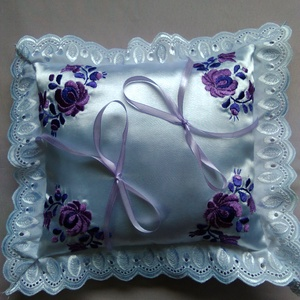 Gyűrű párna, Esküvő, Matyó mintás gyűrű párna. Mérete kb 20x 20cm. A lila szin imádóinak., Meska