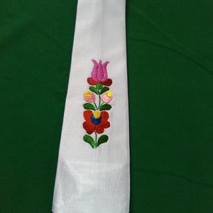 Világos lila hímzett nyakkendő, Nyakkendő, Férfi ruha, Ruha & Divat, Hímzés, Varrás, Világos lila hímzett nyakkendő. Egyedi darab.A  nyakkendő is a kuckómba készült.     , Meska