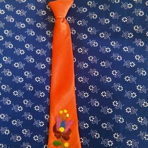 Hímzett  gyerek nyakkendő, Férfiaknak, Táska, Divat & Szépség, Magyar motívumokkal, Ruha, divat, Hímzés, Varrás, Kézzel hímzett  gyerek  nyakkendő gumis illetve megkötős változatban. Egyedi elképzeléseket is telje..., Meska