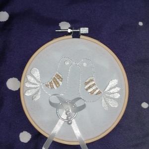Gyűrű tartó, Esküvő, Gyűrűtartó & Gyűrűpárna, Kiegészítők, Hímzés, Varrás, Meska