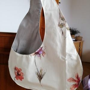 Virágos vászontáska, Vállon átvethető táska, Kézitáska & válltáska, Táska & Tok, Varrás, Erős vászonból készült, virágos, belül szürke vászonnal bélelt egyedi táska., Meska