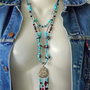 A Préri lánya - háromsoros lámpagyöngy nyaklánc medállal türkizzel, üveggyöngyökkel western nyaklánc, muranoi üvegékszer - Meska.hu