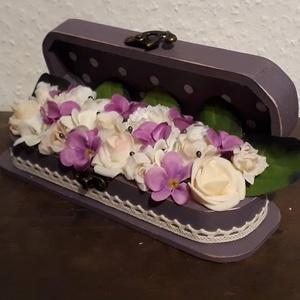 Lila, virágos, fa tolltartó, Csokor & Virágdísz, Dekoráció, Otthon & Lakás, Decoupage, transzfer és szalvétatechnika, Festett tárgyak, A képen látható terméket saját kezűleg készítettem, egyedi kérésre.\nFa tolltartót díszítettem decoup..., Meska