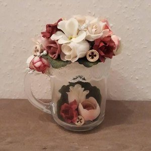 Virágos csésze!, Csokor & Virágdísz, Dekoráció, Otthon & Lakás, Virágkötés, Mindenmás, A készen vásárolt üveg csészét, és a belsejét virágokkal és száraz növényekkel borítottam be.\nA küls..., Meska
