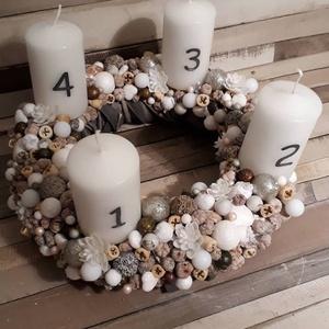 Világgítós adventi koszorú!, Dekoráció, Karácsonyi, adventi apróságok, Ünnepi dekoráció, Karácsonyi dekoráció, Virágkötés, Mindenmás, Egyedi, világítós adventi koszorú keresi gazdáját. A dekorációba rejtett fehér LED gömböcskék színe..., Meska