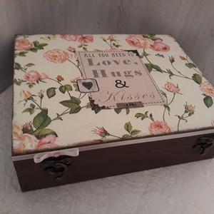 Vicces, romantikus esküvői ajándék!, Nászajándék, Emlék & Ajándék, Esküvő, Decoupage, transzfer és szalvétatechnika, A 12 rekeszes fából készült dobozt natúr állapotban vásároltam.\nAlapozás után fehér és beige akrilfe..., Meska
