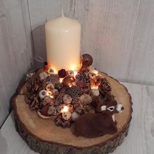 Őzikés, téli asztaldísz!, Karácsony, Karácsonyi dekoráció, Otthon & lakás, Lakberendezés, Asztaldísz, Virágkötés, Különleges, egyedi asztaldísz, cuki őzikével, világítással, száraz termésekkel dekorálva.\nMérete: kb..., Meska