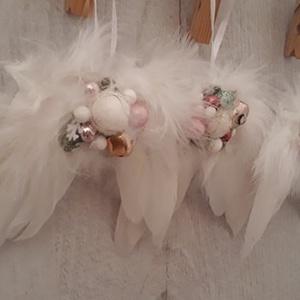 Angyalszárny karácsonyfadísz, ajándékkísérő!, Karácsony, Ajándékkísérő, Karácsonyfadísz, Otthon & lakás, Dekoráció, Ünnepi dekoráció, Virágkötés, Az idei karácsony kedvence, a képen látható, mini angyalszárny.\nTökéletes ajándék, vagy ajándékkísér..., Meska