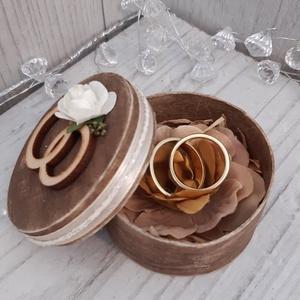 Romantikus, vintage hangulatú gyűrűtartó doboz esküvői ceremóniára!, Esküvő, Gyűrűpárna, Ékszer, Ékszertartó, Otthon & lakás, Dekoráció, Ünnepi dekoráció, Szerelmeseknek, Decoupage, transzfer és szalvétatechnika, Igazán különlegessé szeretnéd tenni az esküvői ceremóniát?\nAkkor a legjobb helyen jársz. :)\nCsodaszé..., Meska