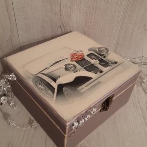 Vicces, romantikus ajándék, esküvőre, lánybúcsúra, legénybúcsúra! Angol, német és magyar nyelvű üzenetekkel is kérhető!, Nászajándék, Emlék & Ajándék, Esküvő, Decoupage, transzfer és szalvétatechnika, A képen látható doboz, igazi emlék maradhat az ifjú párnak, a nagy napról.\nBelsejébe igény szerint k..., Meska