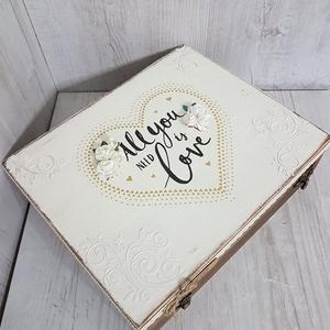 Személyre szóló,romantikus, vintage hangulatú esküvői ajándékdoboz, apró meglepetésekkel, üzenetekkel!, Esküvő, Nászajándék, Otthon & lakás, Dekoráció, Lakberendezés, Tárolóeszköz, Doboz, Decoupage, transzfer és szalvétatechnika, Szuper ajándék esküvőre! :)\nHa unod már a hagyományos nászajándékot, és szeretnéd valami igazán egye..., Meska