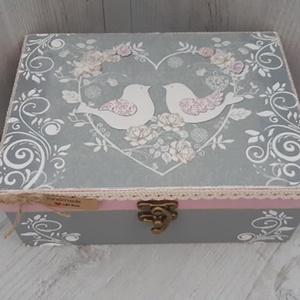 Vicces, romantikus esküvői ajándék! Névre szóló nászajándék! Vintage doboz!, Esküvő, Nászajándék, Emlék & Ajándék, A képen látható szépséges, vintage ajándékdoboz tökéletes ajándék lehet esküvőre, lánybúcsúra! Vicce..., Meska