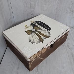 Vicces, romantikus esküvői ajándék! Nászajándék! Lánybúcsúra, eljegyzésre! Személyreszabott!, Nászajándék, Emlék & Ajándék, Esküvő, Decoupage, transzfer és szalvétatechnika, A képen látható szépséges, vintage ajándékdoboz tökéletes ajándék lehet esküvőre, lánybúcsúra!\nVicce..., Meska