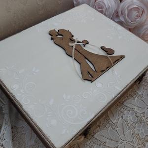 Vicces, romantikus esküvői ajándékdoboz! Nászajándék! Meglepetés lánybúcsúra!, Nászajándék, Emlék & Ajándék, Esküvő, Decoupage, transzfer és szalvétatechnika, Szuper ajándék esküvőre! :)\nHa unod már a hagyományos nászajándékot, és szeretnéd valami igazán egye..., Meska