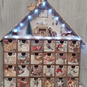 Csodaszép adventi naptár/házikó, fényfűzérrel!, Otthon & lakás, Dekoráció, Ünnepi dekoráció, Lakberendezés, Naptár, képeslap, album, Naptár, Tárolóeszköz, Decoupage, transzfer és szalvétatechnika, A képen látható termék, az idei karácsony legnagyobb slágere, ami most a te otthonodat is díszítheti..., Meska