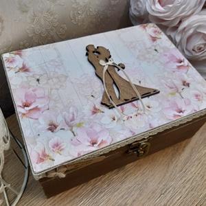 Vicces, romantikus, személyreszabott nászajándék! Esküvői ajándék! Lánybúcsúra, eljegyzésre!, Esküvő, Emlék & Ajándék, Nászajándék, Decoupage, transzfer és szalvétatechnika, A képen látható szépséges, vintage ajándékdoboz tökéletes ajándék lehet esküvőre, lánybúcsúra!\nVicce..., Meska