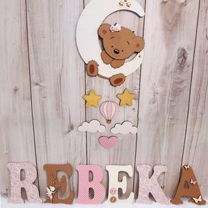 ÚJDONSÁG!!! Csodás babaszoba dekoráció kislányoknak, maci figurával., Otthon & Lakás, Dekoráció, Ajtódísz & Kopogtató, Decoupage, transzfer és szalvétatechnika, Famegmunkálás, A baba/gyerekszobába készült neveket nagyon szeretitek, ezért gondoltunk egyet, és bővítettünk a kín..., Meska